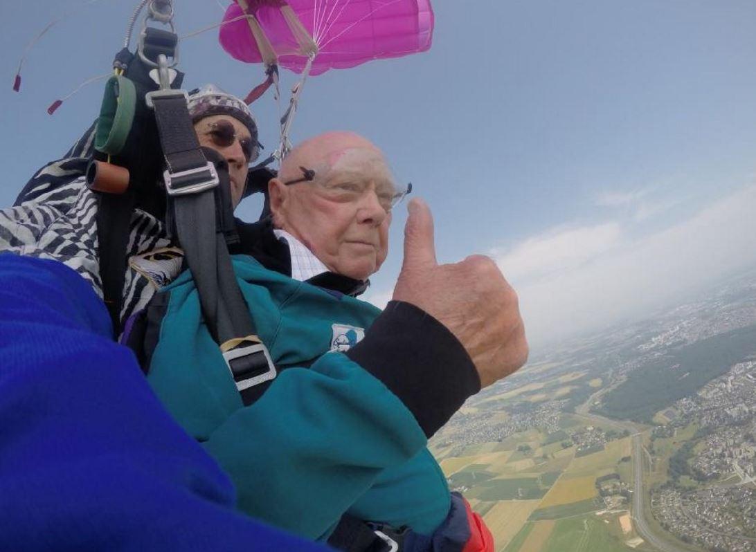 saut en tandem à 90 ans