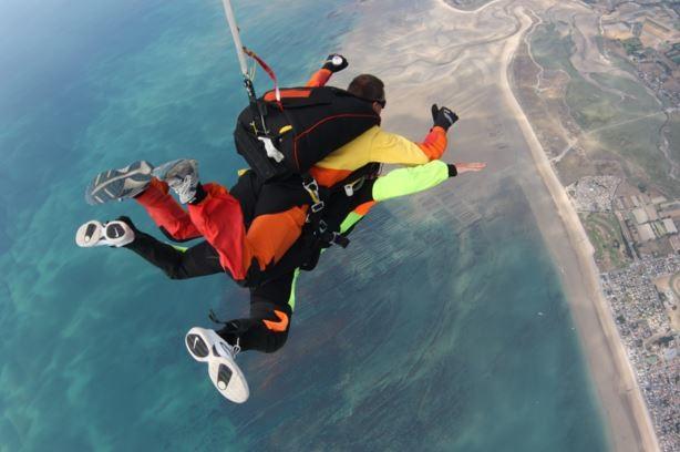 devenir moniteur tandem parachute