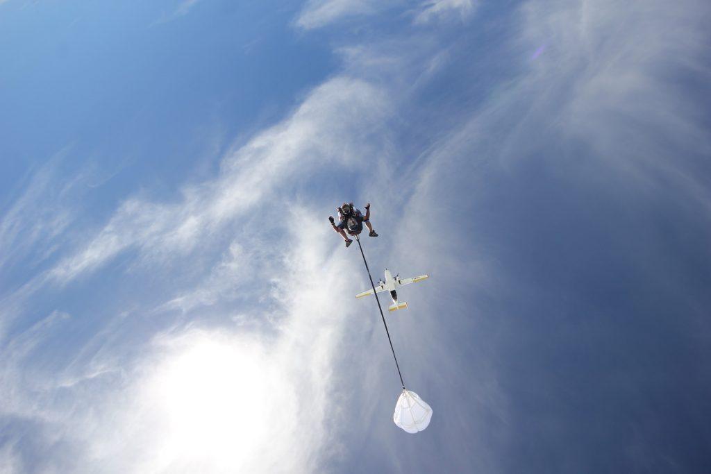 Record du monde saut en parachute 102 ans