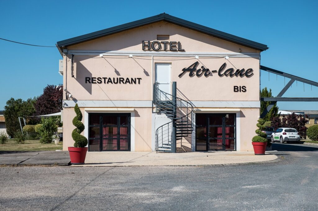 Façade Hôtel Air Lane Aube Parachutisme Troyes Paris